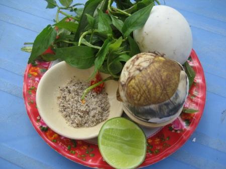 7 điều cần biết trước khi ăn trứng vịt lộn